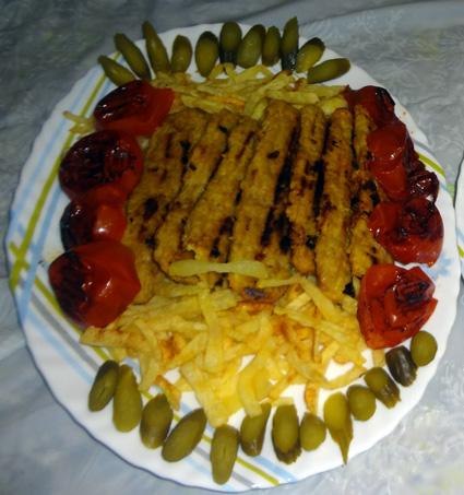 http://tahereh.persiangig.com/my-blog/ashpazbashi/ghaza/morgh/kabab.morgh/tahere.JPG